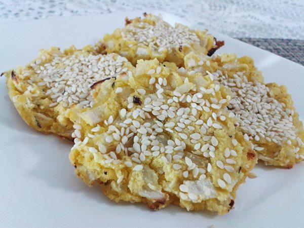 Biscoito salgado de cebola